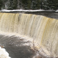Tahquamenon Falls River Trail